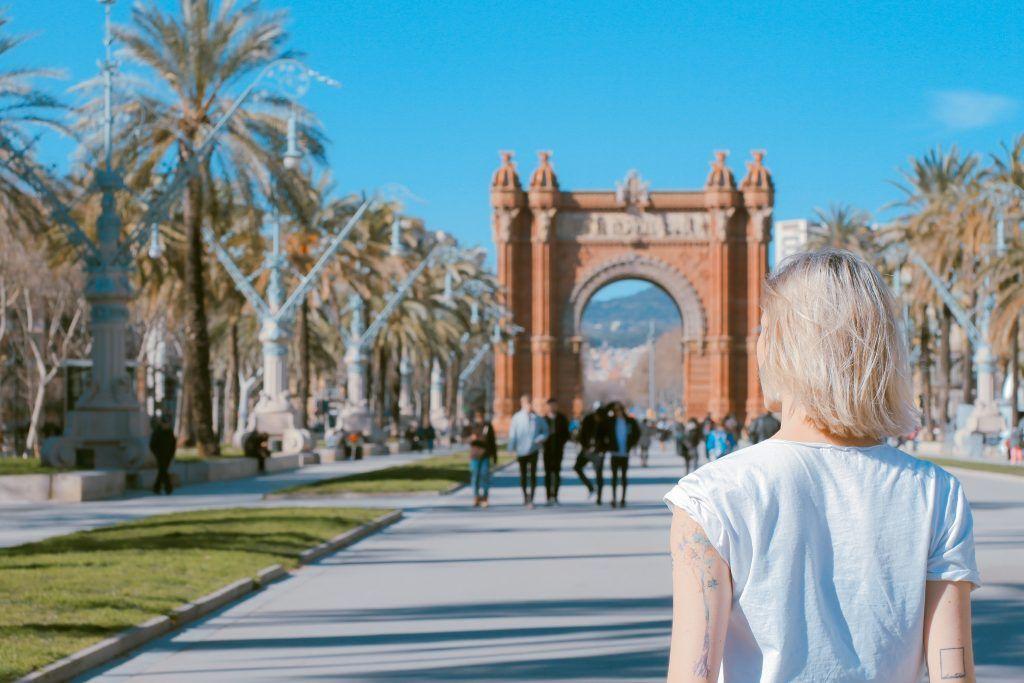 toa-heftiba-205018-unsplash-1024x683 Barcelona ciudad de ensueño: los pasados en español